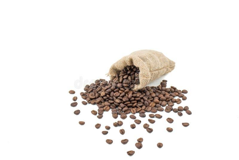 Bio- caffè naturale, sacco con i fagioli isolati su bianco fotografia stock