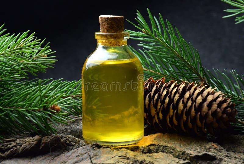 Bio- organici dell'olio attillato dell'aroma si rilassano il massaggio fotografia stock libera da diritti