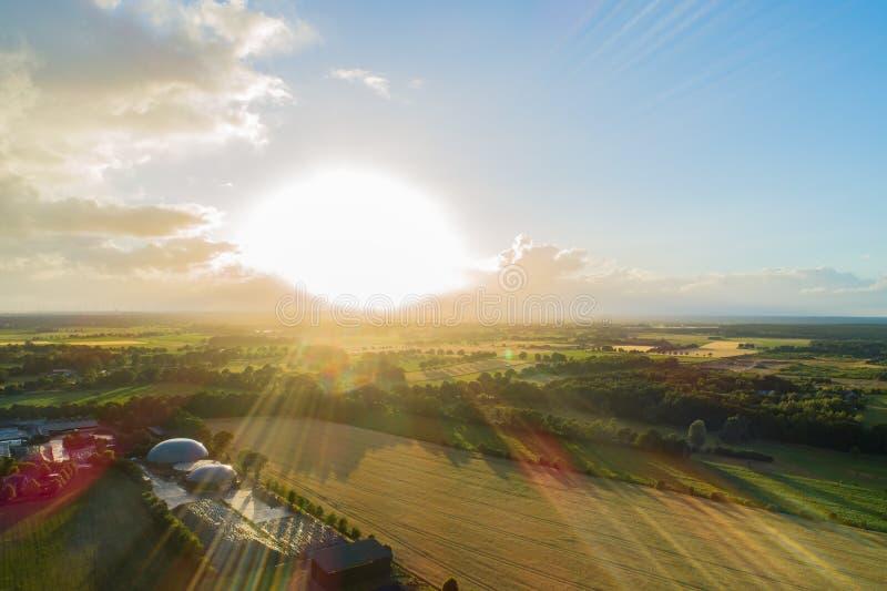 Biogasväxt för kraftgenerering och energi arkivfoton