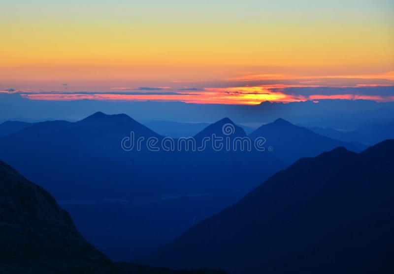 Biokovo Makarska, dalmacija Croatie de lever de soleil photos stock