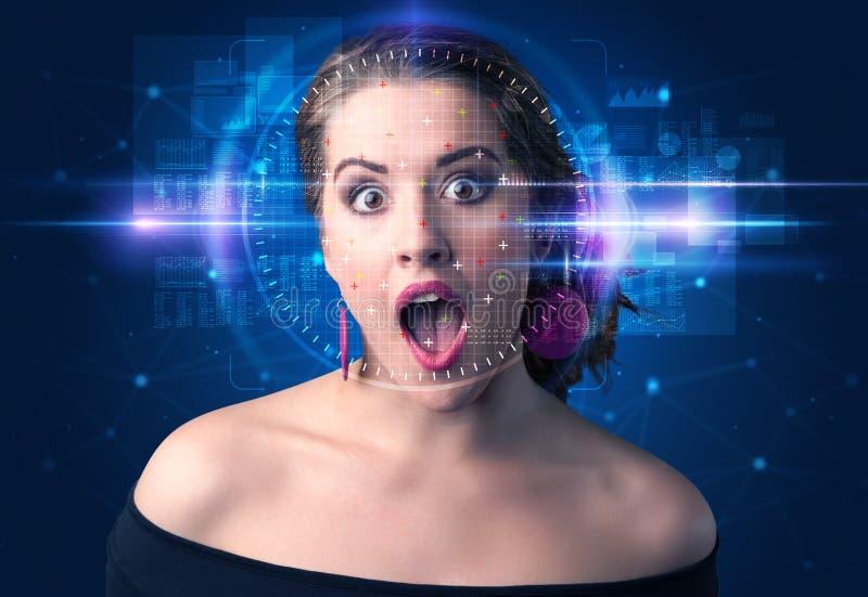 Biometric verifikation - kvinnaframsidaupptäckt royaltyfria bilder