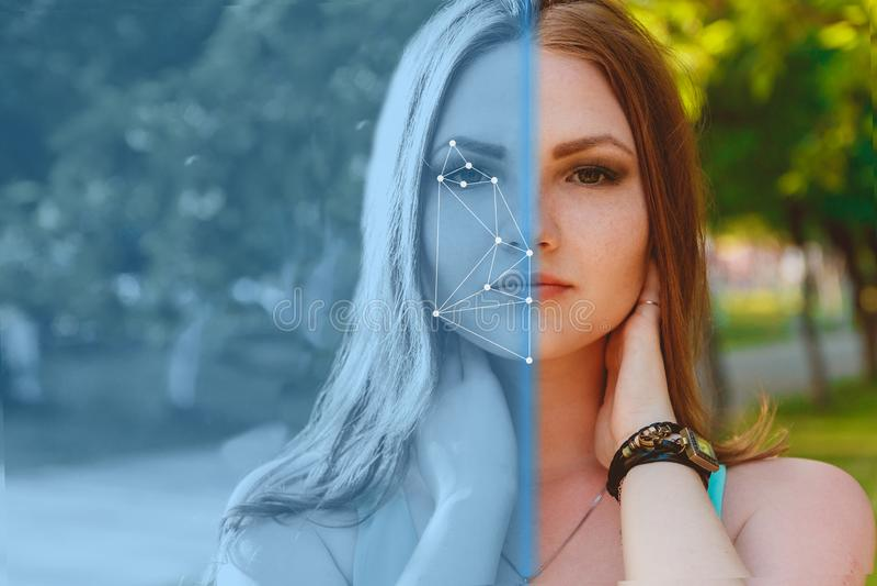 Biometrische Controle Jonge Vrouw 15 Het concept een nieuwe technologie van gezichtserkenning op veelhoekig net royalty-vrije stock foto