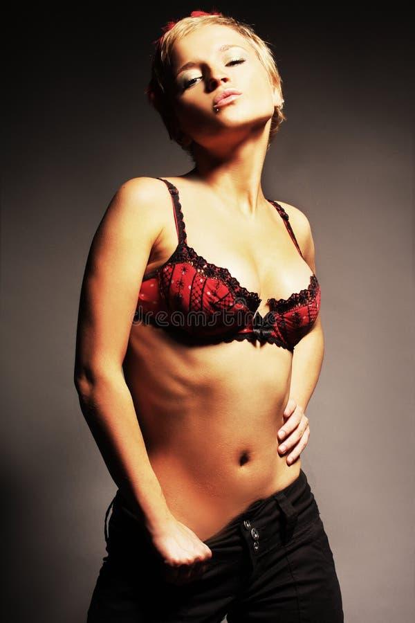 Download Biondo Sexy In Biancheria Rossa Immagine Stock - Immagine di fascino, erotic: 3887967