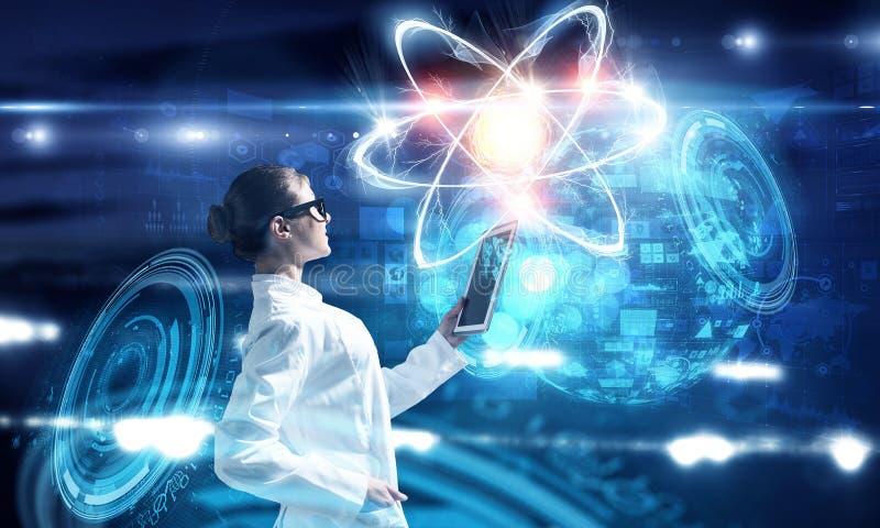Bioquímica e tecnologias Meios mistos fotografia de stock