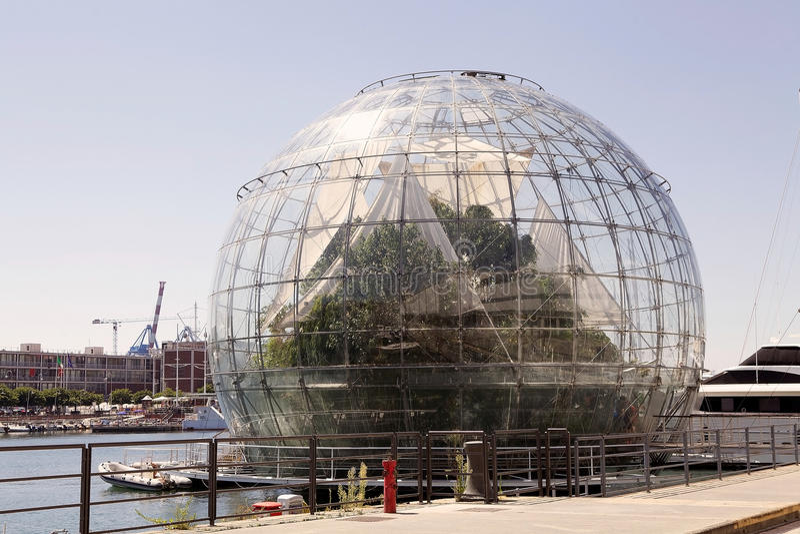 Biosfären, Genua, Italien arkivbilder