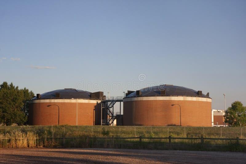 Biotowers da planta da recuperação da água foto de stock royalty free