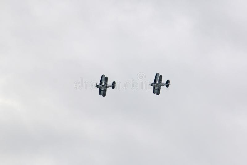 Biplanów latać obrazy stock