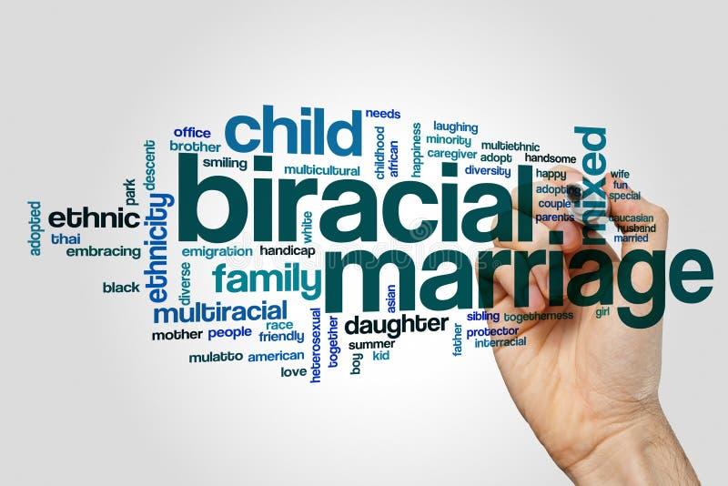 Biracial концепция облака слова замужества на серой предпосылке стоковое фото