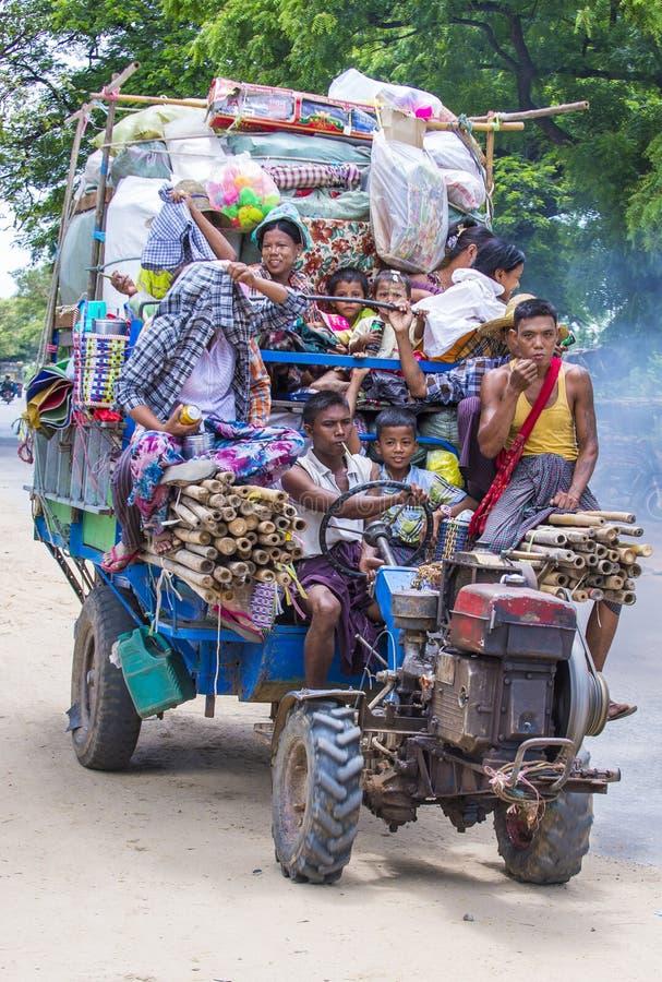 Birmańscy rolnicy w Myanmar zdjęcia stock