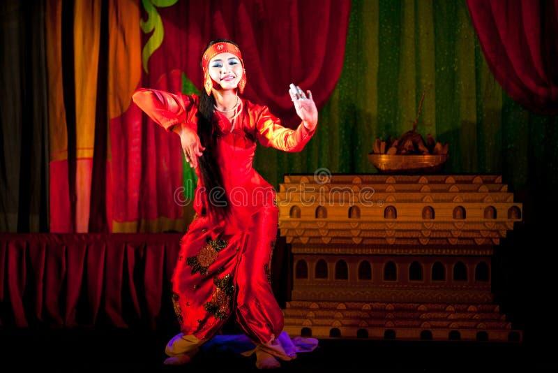 Birmane-Tanz lizenzfreie stockbilder