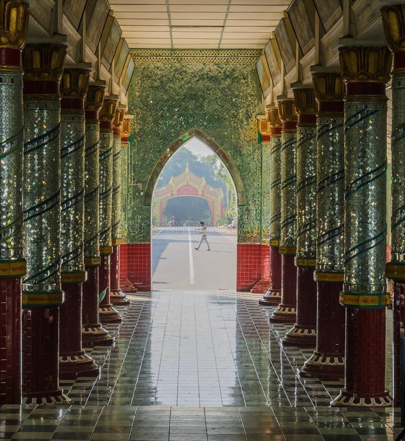 Birmanische Korridordekoration stockfotografie