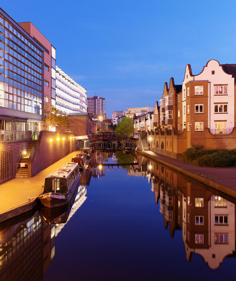 Free Birmingham Canal Royalty Free Stock Photography - 42138787