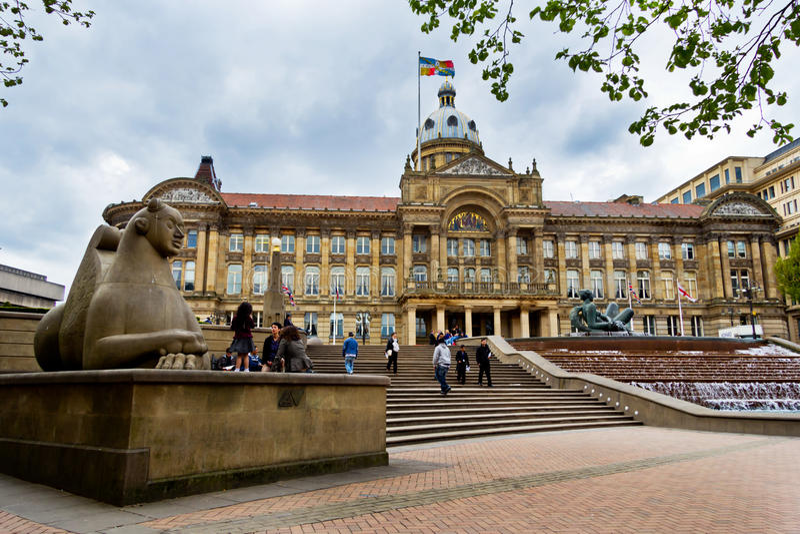 Birmingham kommunfullmäktigehus och förmyndarestaty, Victoria Square, Birmingham royaltyfri fotografi