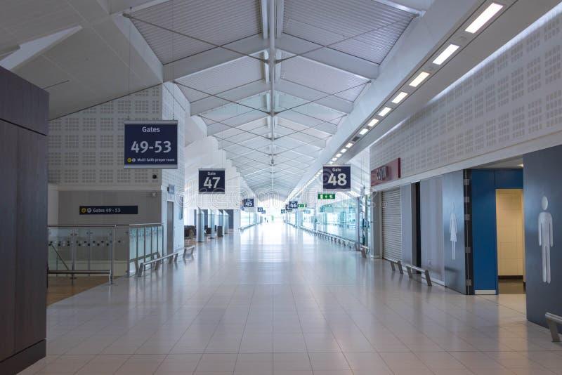 Birmingham Regno Unito - 03 03 19: Aeroplano dei portoni del catrame dell'aeroporto di Birmingham fotografia stock libera da diritti