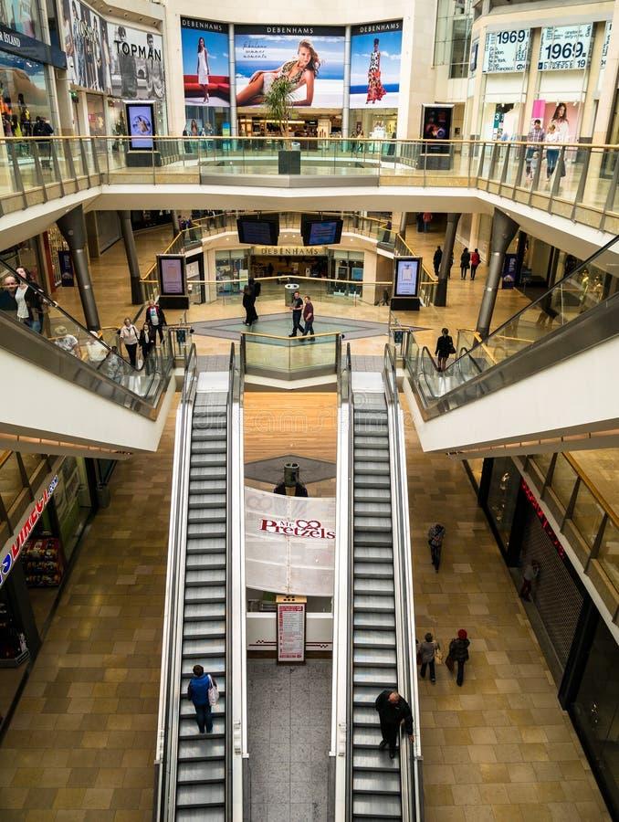 Birmingham-Stierkampfarena-Einkaufszentrum stockfotos