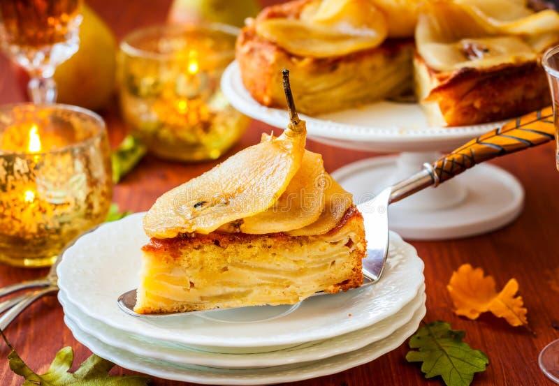 Birnenkuchen für Feiertag stockbild