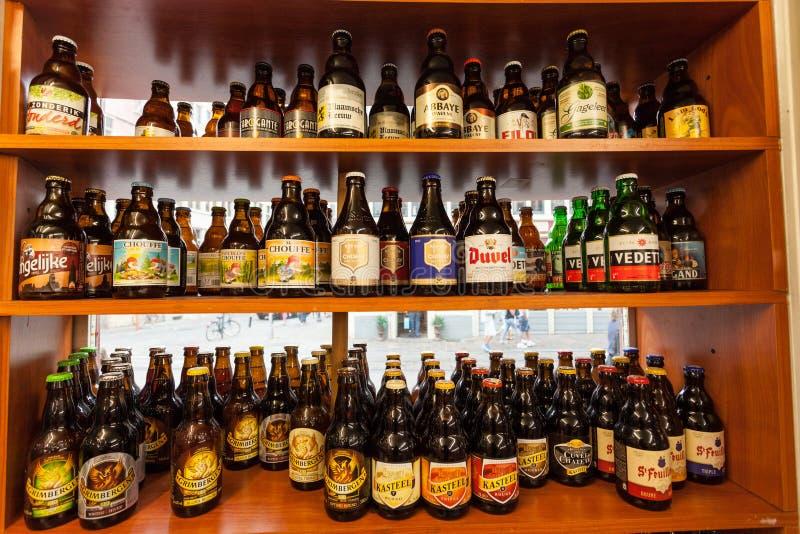 Birra belga in un negozio immagine stock libera da diritti