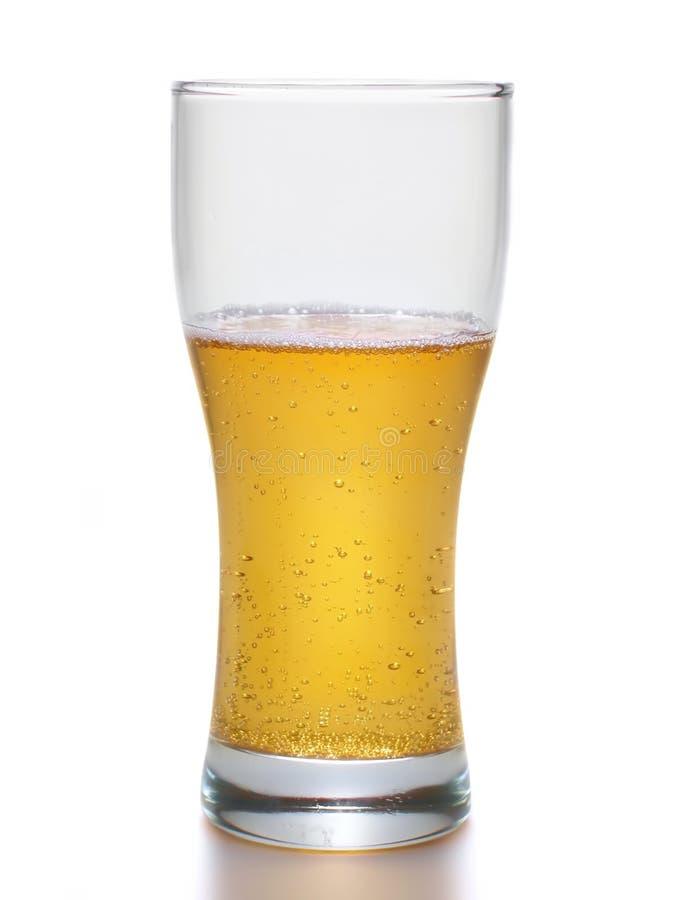 Birra chiara all'interno di grande tazza fotografia stock