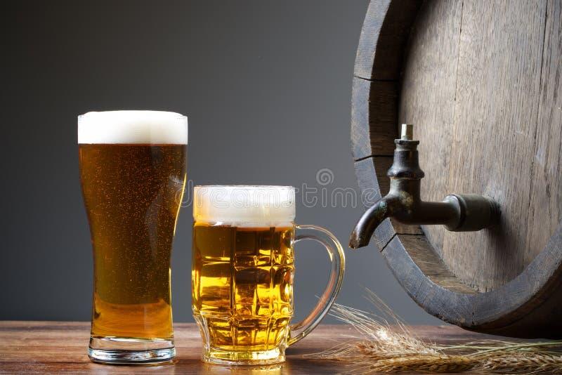 Birra con il barilotto fotografia stock libera da diritti