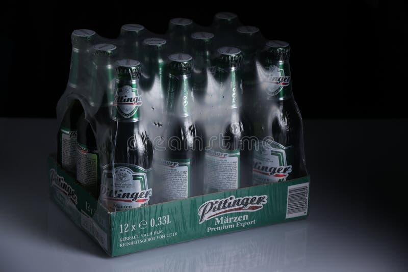Birra di Pittinger Marzen, fondo nero immagine stock