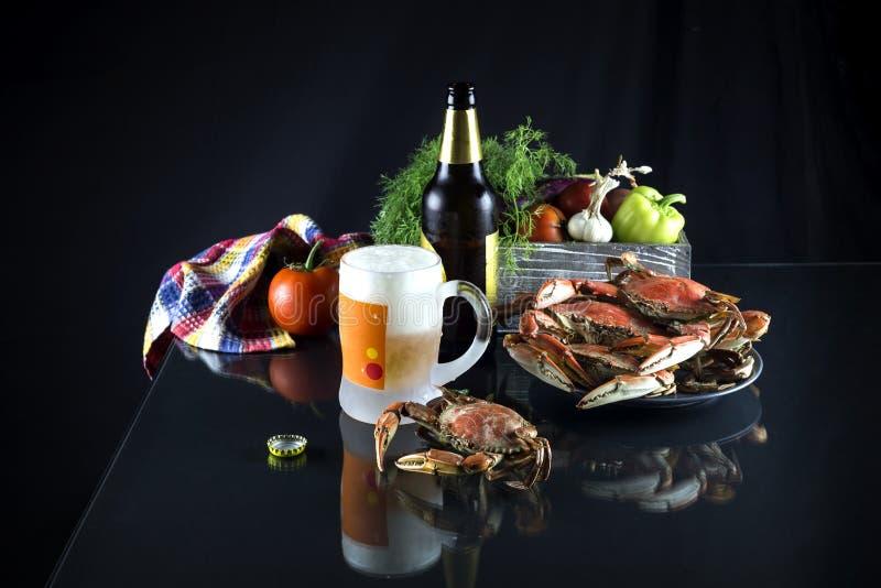 Birra e granchi fotografia stock libera da diritti