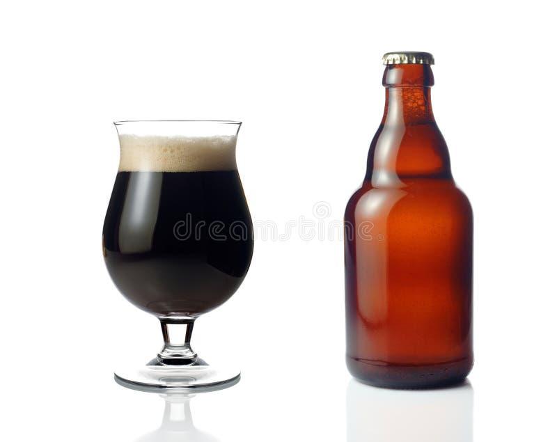 Birra scura fotografia stock
