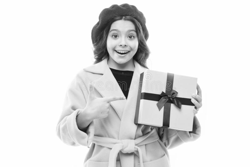 Birthday-cadeau Kinderstijlvol cadeauvak voor greep Meisje schattige jas van een dame en een cadeautje voor de meiden Voorjaarswi royalty-vrije stock foto