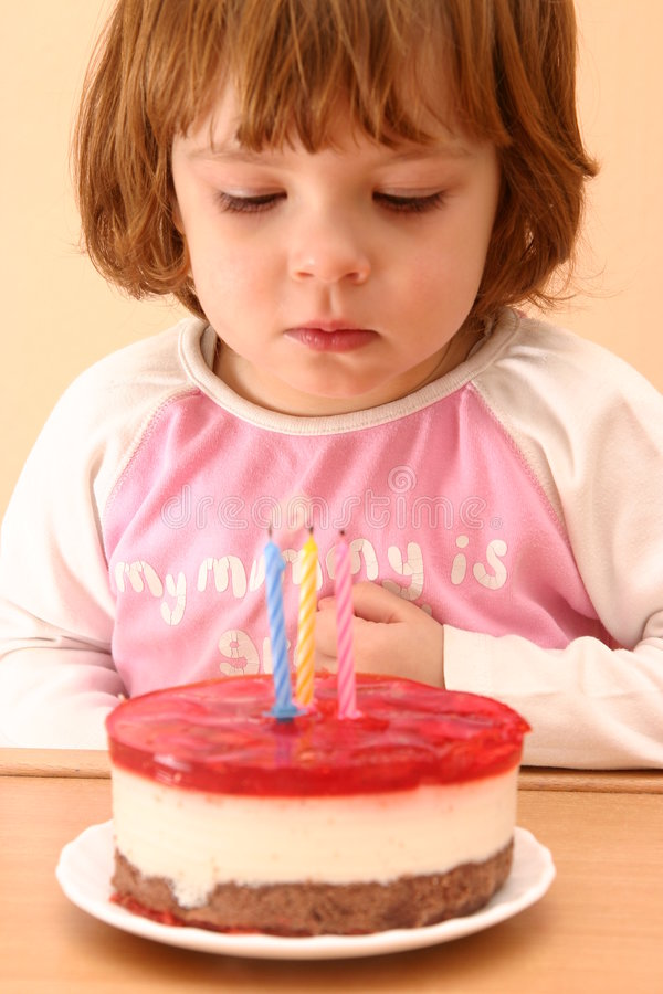 Download Birthday Cake Royalty Free Stock Images - Image: 1916659