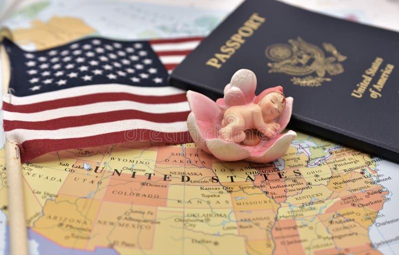 Birtright de la ciudadanía de los E.E.U.U. vía nacimiento por el artículo 14 de la constitución de los E.E.U.U. fotos de archivo