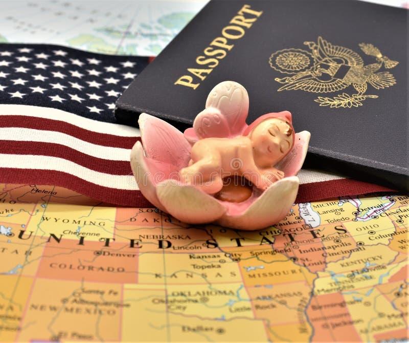 Birtright de la ciudadanía de los E.E.U.U. vía nacimiento por el artículo 14 de la constitución de los E.E.U.U. fotografía de archivo libre de regalías