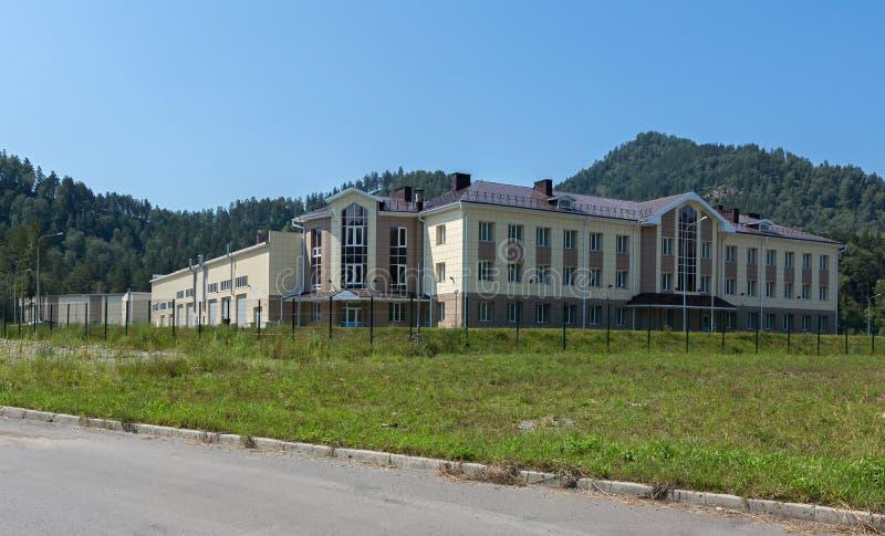 Biruzovaya Katun es una zona económica especial de un turista-recreativo mecanografía adentro el territorio de Altai foto de archivo libre de regalías