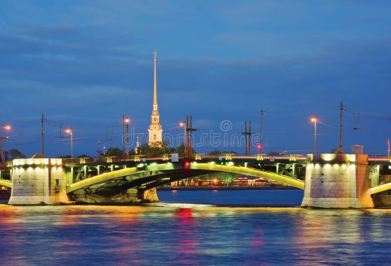 Birzhevoy most St - Petersburg, Rosja obraz stock
