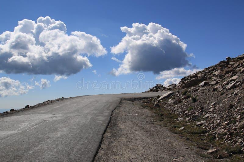 Bis zur Spitze des Bergs Evans lizenzfreies stockbild