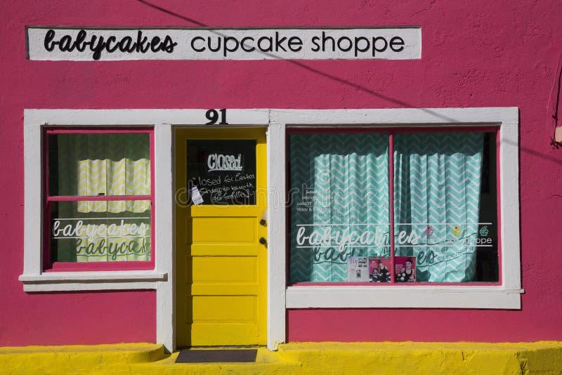Bisbee, Arizona, Etats-Unis, le 6 avril 2015, magasin rose de petit gâteau, ville occidentale image stock