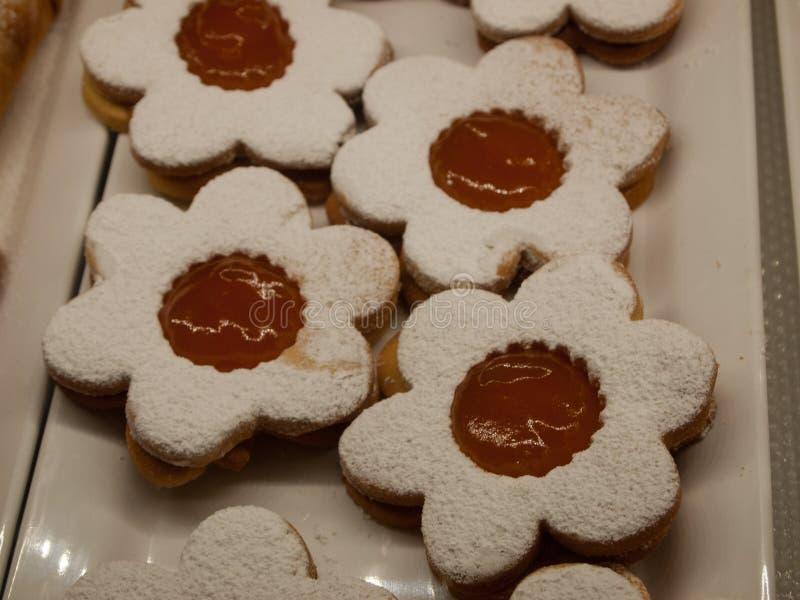 Biscoitos com atolamento fotos de stock royalty free