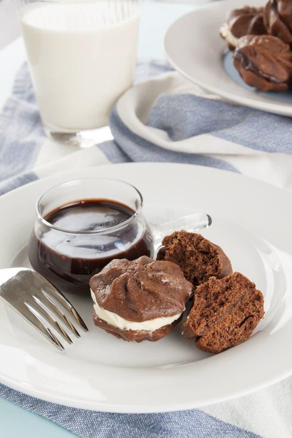 Biscoitos da estrela do chocolate imagens de stock royalty free