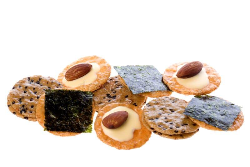 Biscoitos do arroz isolados fotos de stock