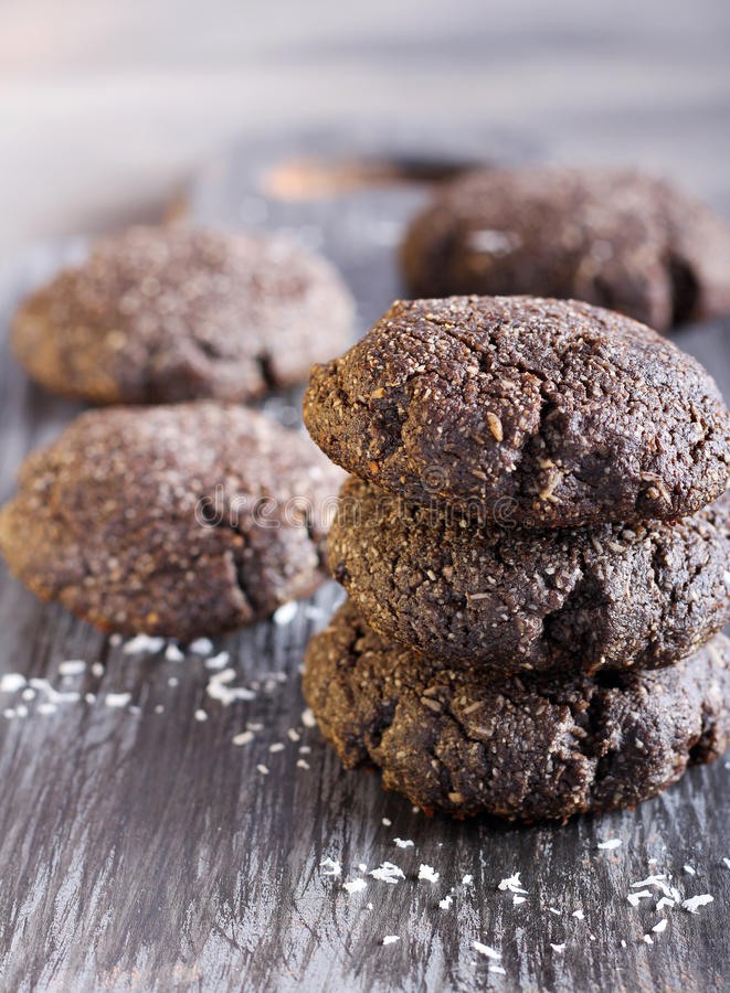 Biscoitos do chocolate e do coco foto de stock royalty free