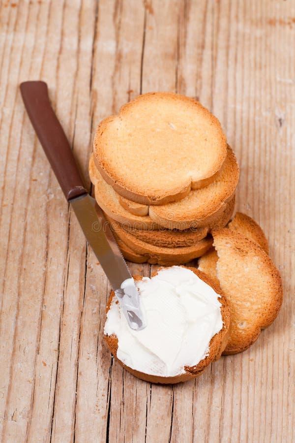 Biscoitos do petisco com queijo creme imagem de stock