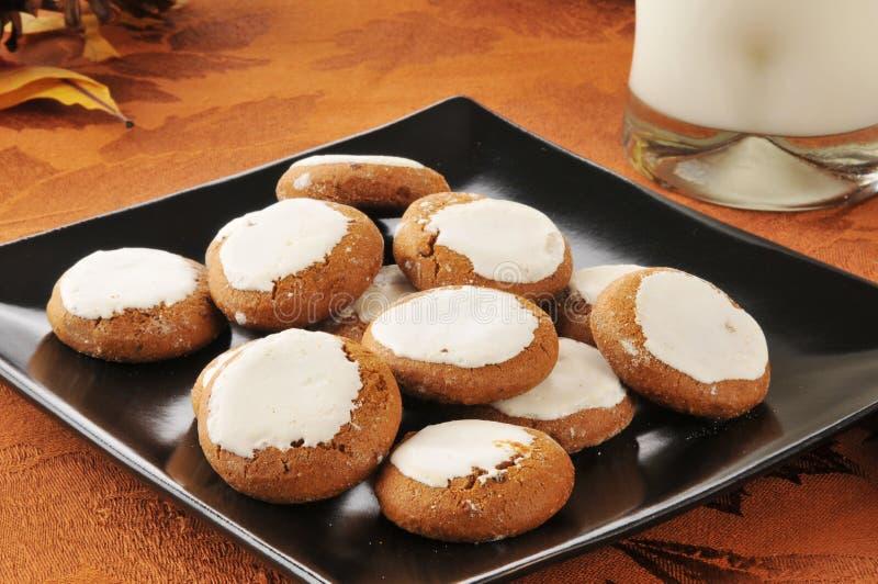 Biscoitos e leite foto de stock royalty free