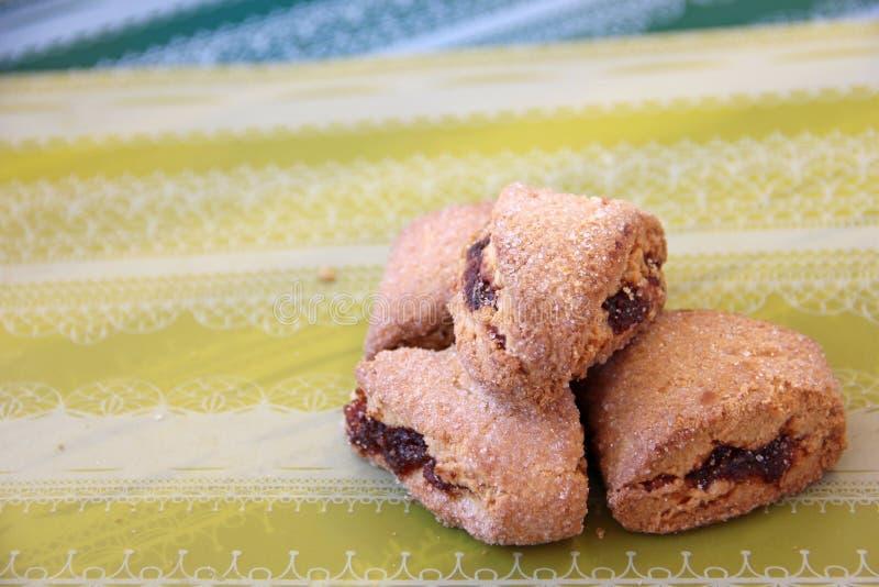 Biscoitos enchidos com o doce fotografia de stock royalty free