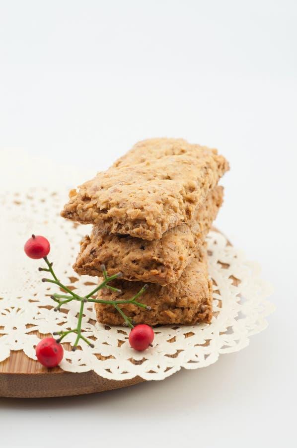 Biscoitos inteiros saudáveis do trigo foto de stock