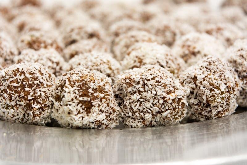 Biscotti casalinghi con i grani della noce di cocco fotografia stock