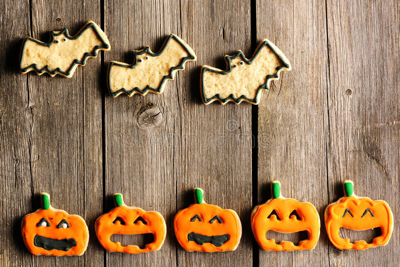 Biscotti casalinghi del pan di zenzero di Halloween fotografie stock libere da diritti