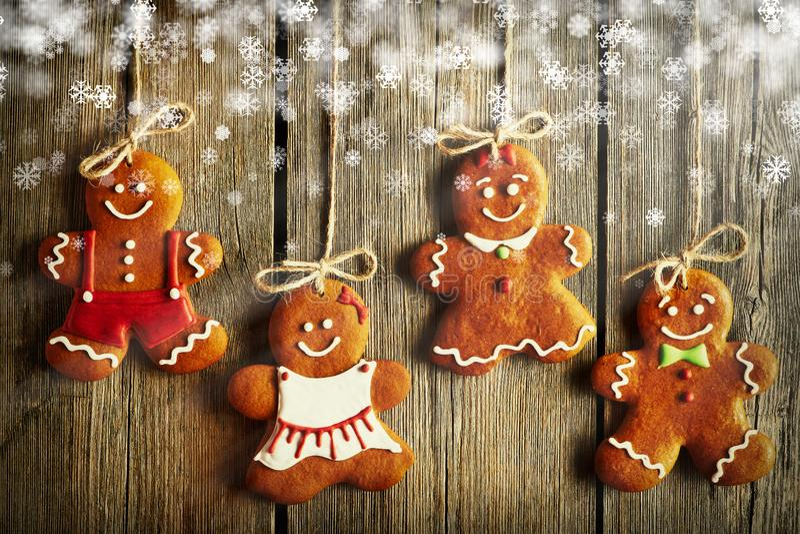 Biscotti casalinghi delle coppie del pan di zenzero di Natale illustrazione vettoriale