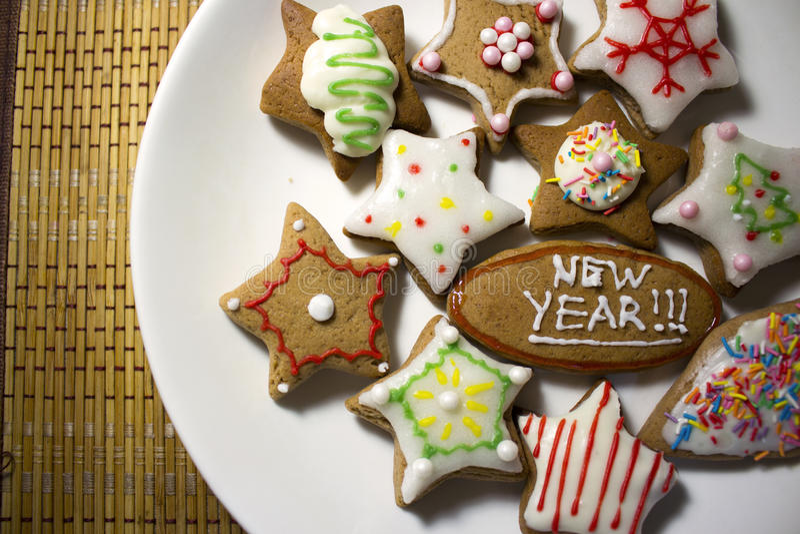 Biscotti decorati variopinti, fine su immagine stock