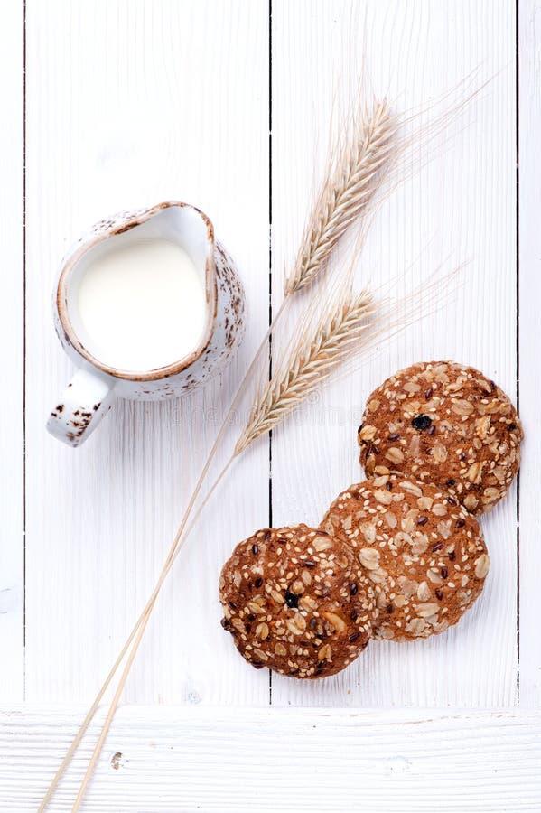 Biscotti del cereale della farina d'avena Vista superiore fotografia stock libera da diritti