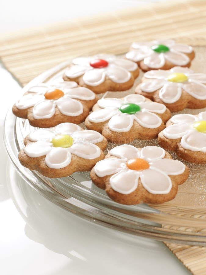 Biscotti del pan di zenzero con glassa reale fotografie stock libere da diritti