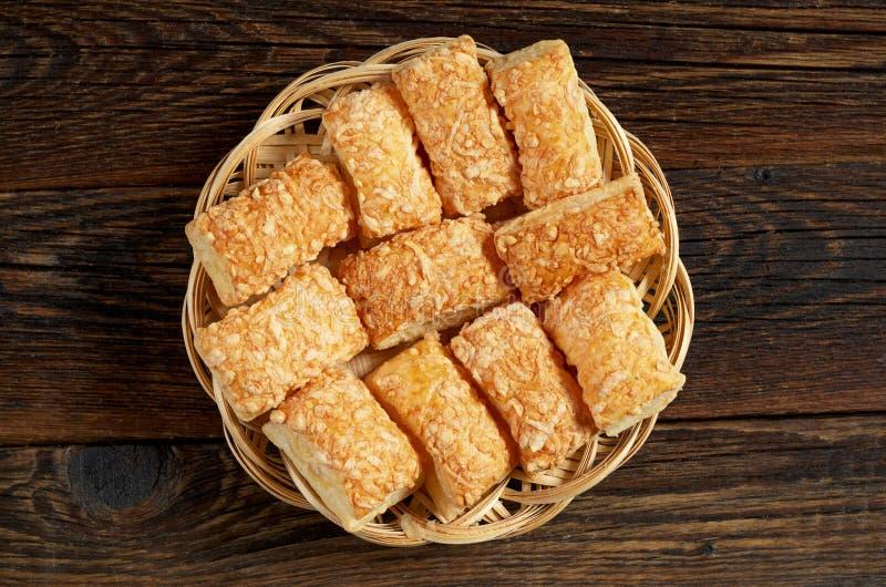Biscotti del soffio con formaggio immagine stock libera da diritti