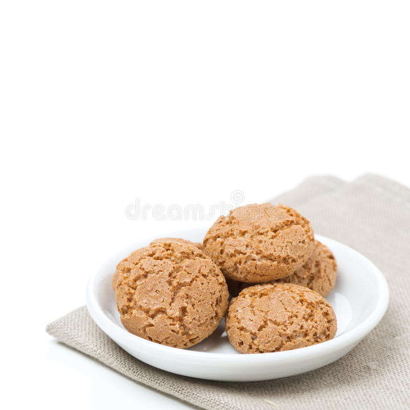 Biscotti di Biscotti in una ciotola, isolata fotografia stock